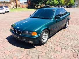 Dijual mobil bagus BMW 318i tahun 1998 manual kondisi terawat audio
