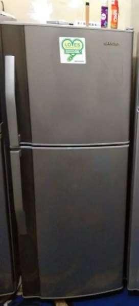 Kulkas sharp 2 pintu
