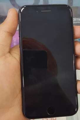 I want sell my I phone 7  Rs 27000