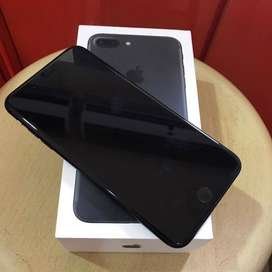 Selling apple i-phone 7 plus with box and all accessories.