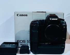 Kamera Canon EOS 5DMark II Body dan Baterai Grip BGE6