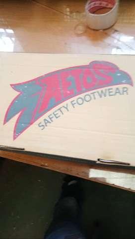Sepatu Safety AETOS asli original Kondisi masih baru