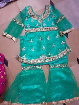 Beautiful work dress 5 r6 year baby girals