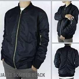 Jaket bomber hitam polos