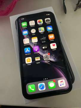 Apple iphone Xr 128gb black on brand new condition with 5months Indian