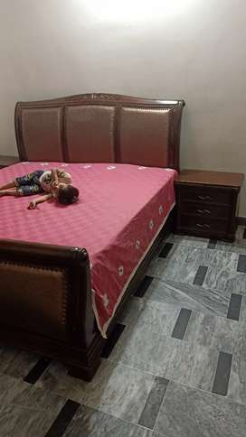 Bed set for sale chen one Wood