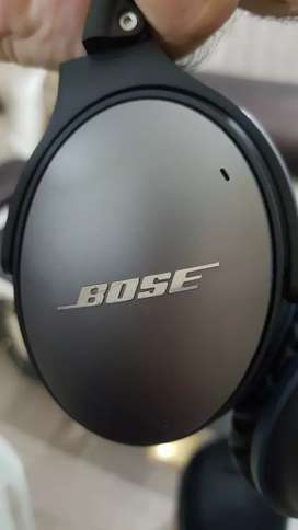 Bose Quite comfort 25 noise cancelling headphone( jbl sony beats)