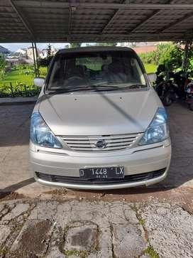 Nissan serena 2004