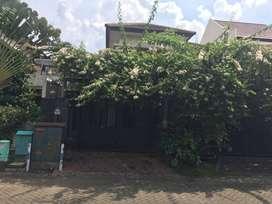 Rumah rapi bersih dan indah di cluster boston puri surya jaya sidoarjo