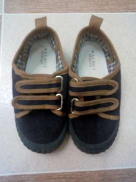 Sepatu anak walnut