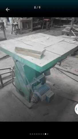 Di jual mesin  meja gergaji kayu di  jual  cpt  bu   asli pabrik