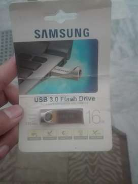 Samsung USB 16 GB speed 130 mB/s price 500