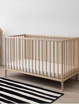 Box bayi  ikea (nego) bahan kayu sdh termasuk matras ,pinggiran, sprei