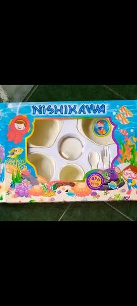 Nishikawa perlengkapan makan bayi