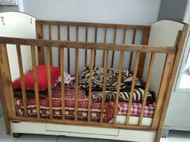 Kisds bed in good condition with storage
