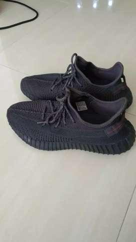 Adidas Yeezy Boost 350V2 Static  Black size 10,5 like new,lengkap dus