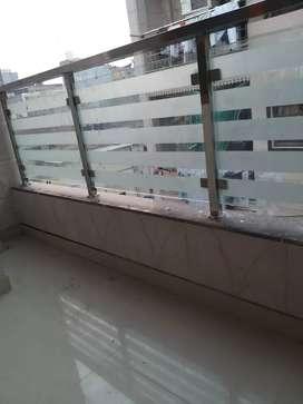 1bhk price- 8000/- in new ashok nagar nearby noida and metro  station