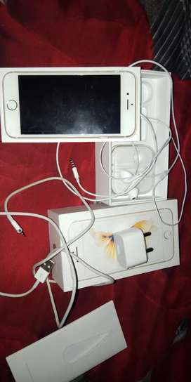 I phone 6s a1 condition only 1 year  use  bil nd all