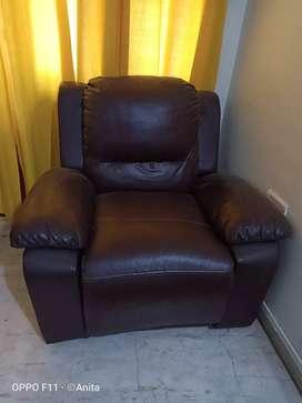Recliner sofa single seater