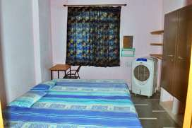 Rooms for rent furnished & unfurnished with attach bathroom