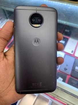 Moto G5s plus 4gb/64gb