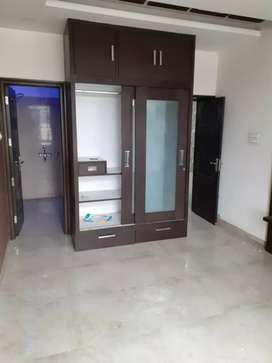 8 marla 3bhk 2nd floor facing park b-road for sale in sector 40 d