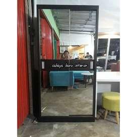 lemari dengan pintu Sleding . model simplee minimalis