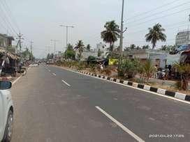రాజమండ్రి ఎయిర్పోర్ట్ రోడ్ కీ 100 మీటర్లు దూరంలో గూడా హోసింగ్ ప్లాట్స్