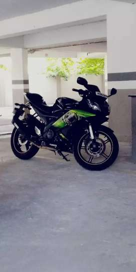 Green Yamaha R15 nearly maintained