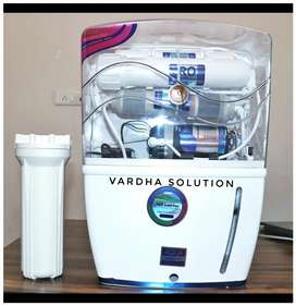 RO WATER PURIFEIR with advanced technology at just 3499