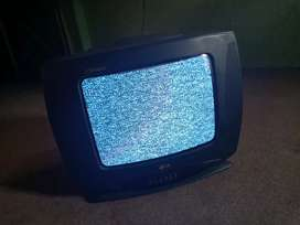 Tv for sale h bohat achi condition h use nhi howa