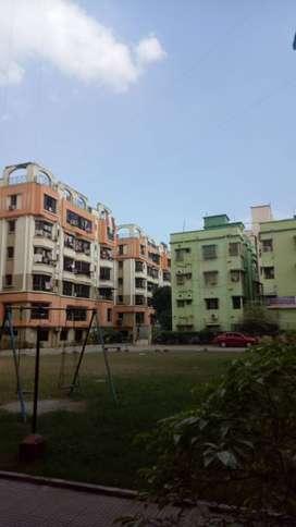 vip road natural green complex 3 bhk 1650 sq ft semi furnish flat sale