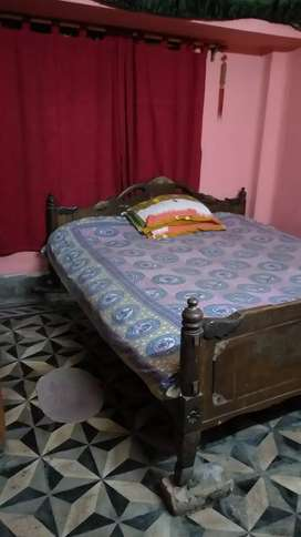 PG and guest  house for girls and women near metro station.
