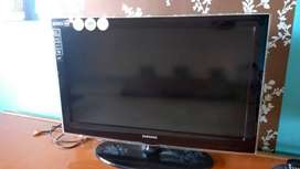 Imported Samsung series 4 LCD TV 32 inches in perfect condition