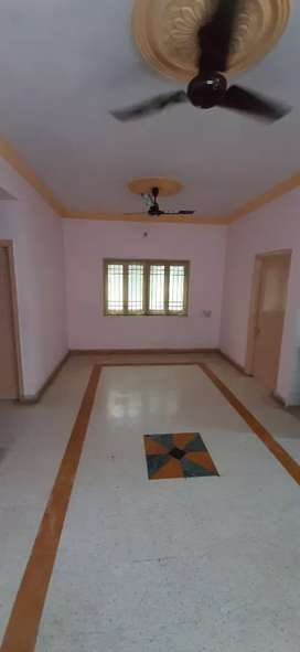3bhk Opp CRISTAL MALL Relince petrol pump road