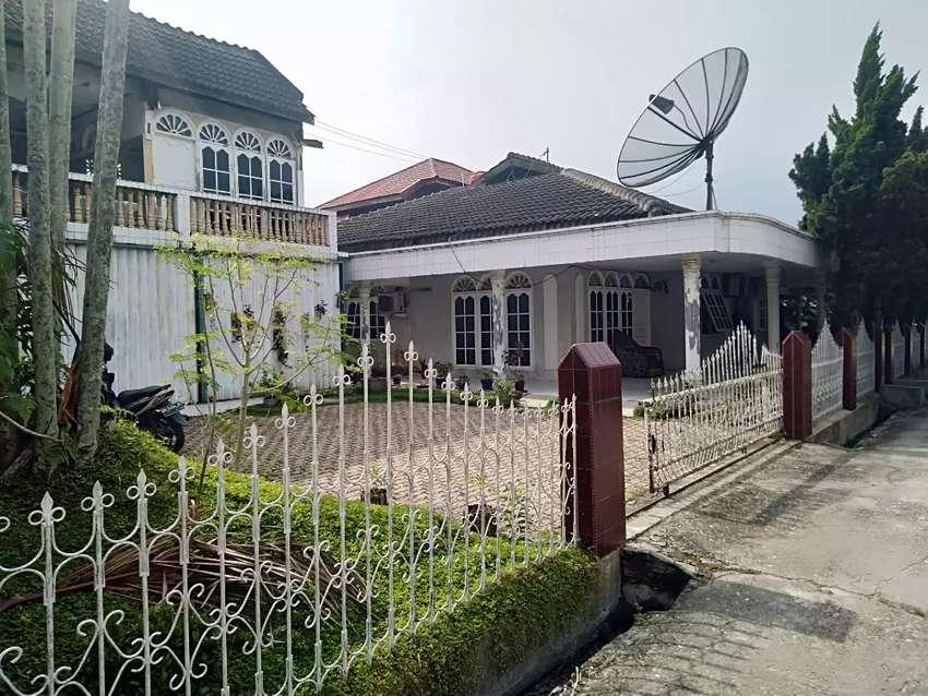 Dijual rumah Bulatan di Jl Adi Sucipto Pekanbaru