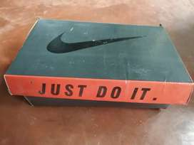 Men nike airmax shoes,4 monnths old, very good condition