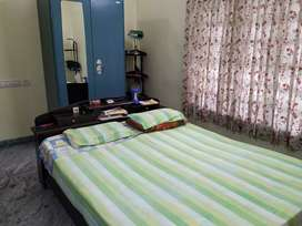 A room for rent (150 sq.ft room with attatched bathroom)