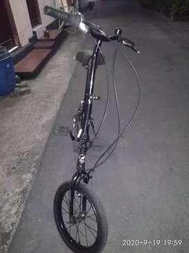 Sepeda lipat merk Alfola Le Makino UK 16
