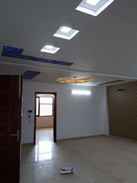 4BHK 250 GUJ FLOOR AVAILABLE AT ATTRACTIVE PRICE