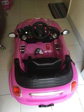 Mobil Aki Hello Kitty