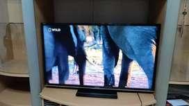 Terima tv led rusak normal segal kondisi dan normal