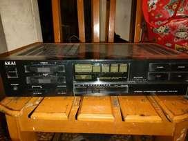 Amplifier merk akai