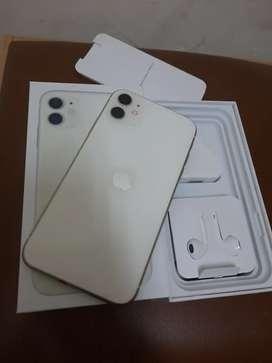 Iphone 11 64gb kondisi instimewa sesuai deskripsi