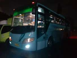 Bus besar.big bus.pariwisata.karoseri Laksana.mesin Golden Dragon