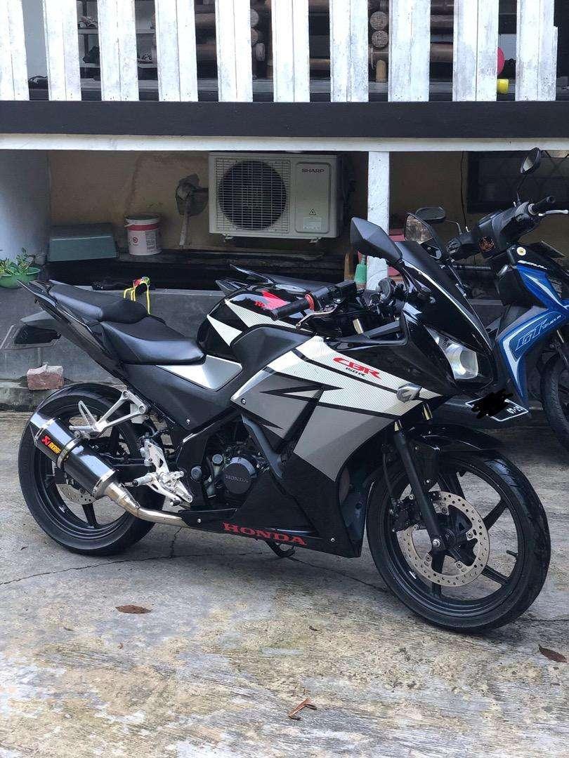 CBR 150R BLACK 2015 0