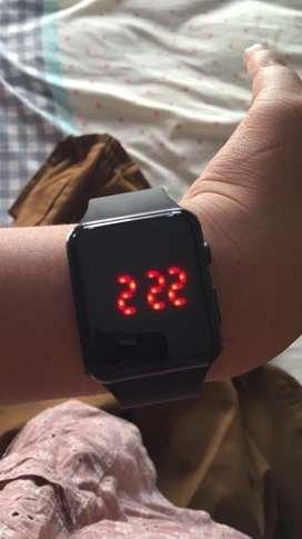 Jam tangan digital Apple Watch