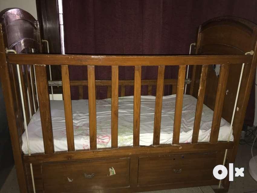 Wooden baby cot 0