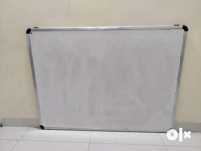 White board 4ft*3ft for sale