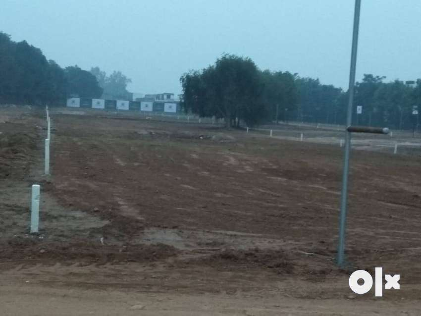 300 Gaj plots available in forest hill resort 0